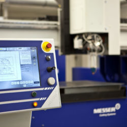 PowerBlade laser och plasmaskärmasin 1